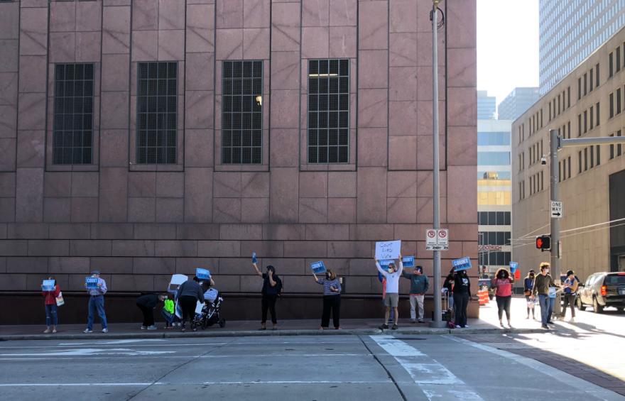 COURTHOUSE-PROTEST-1200x770.png