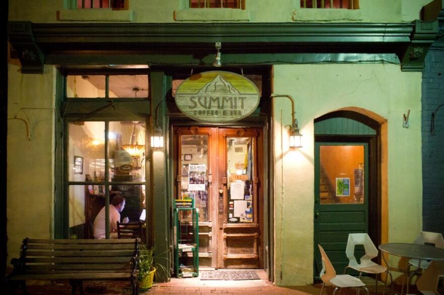 Summit_facade.jpg