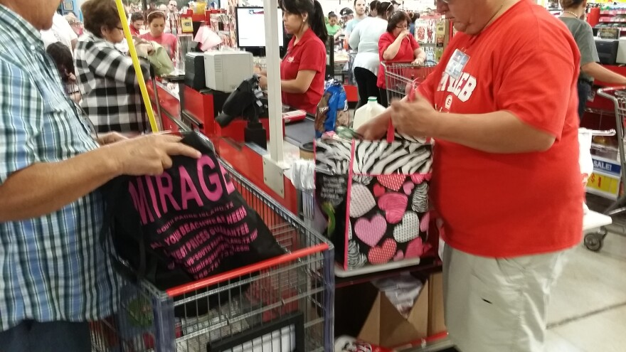 plastic-bag-ban-140508.jpg