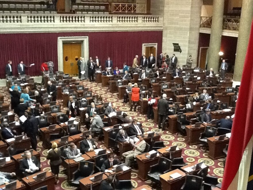 Floor_of_Mo._House_on_12-6-2013_near_end_of_Boeing_special_session.JPG