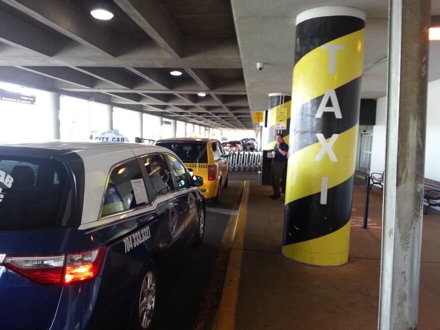 airport_taxi_curb.jpg