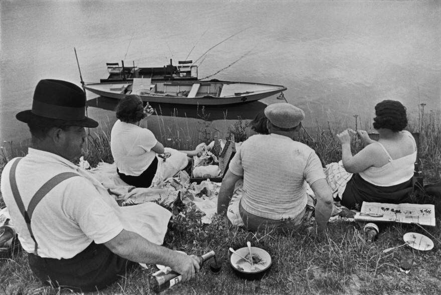 Henri Cartier-Bresson's <em>Sunday on the Banks of the Marne</em>, 1938