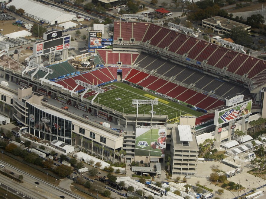 The NFL is inviting about 7,500 healthcare workers to Super Bowl LV in Tampa, Fla.'s Raymond James Stadium, shown here in 2009.