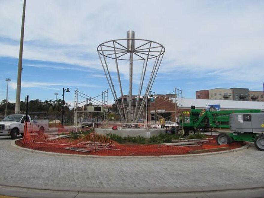 roundaboutsculpture_0.jpg