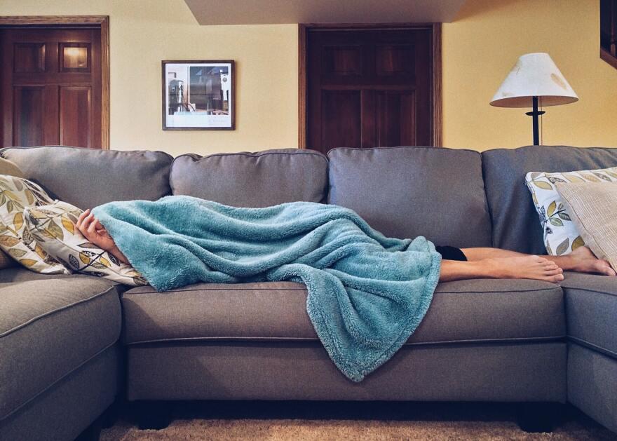 apartment-bed-carpet-chair-269141.jpg