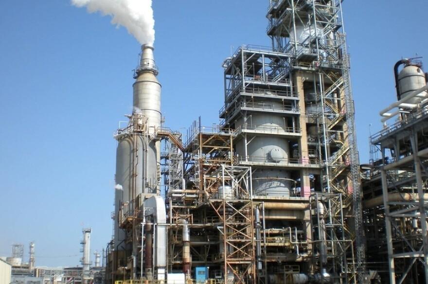 Houston-flue-gas-scrubber01_jpg_800x1000_q100.jpg