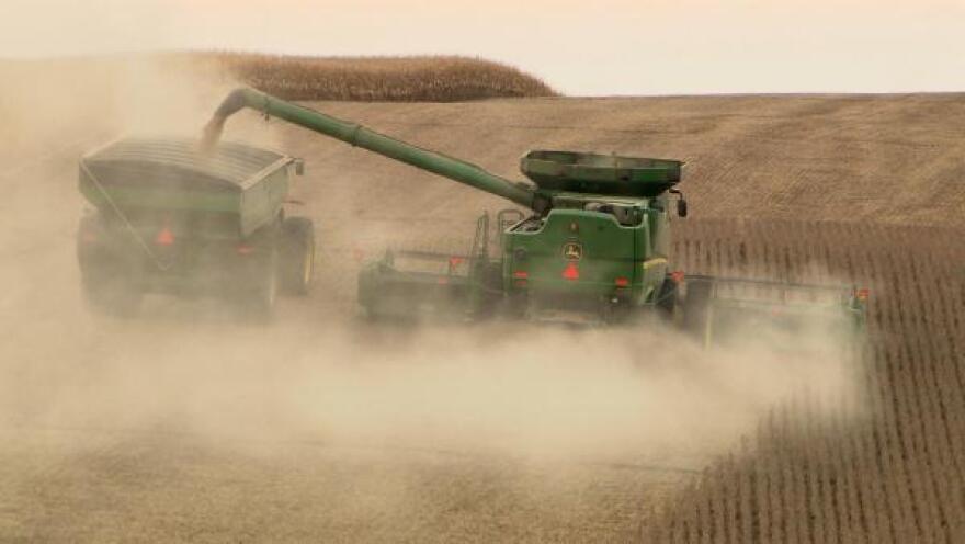 040317_NAFTA_harvest.jpg
