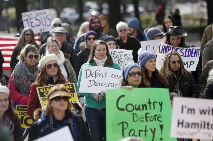 Electoral_College-protest_Dec2016.jpg