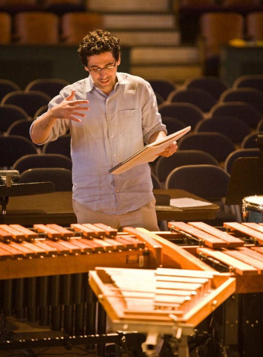 avner_dorman_with_marimbas.jpeg