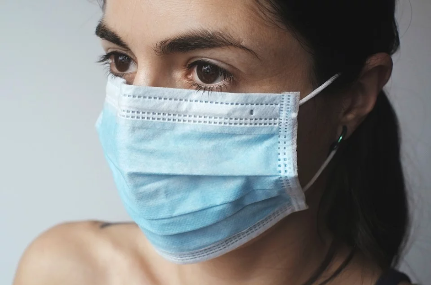 surgical_mask_woman.png