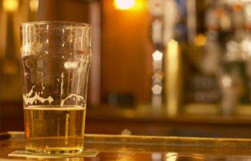 alcohol_drinking__cdc.gov_.jpg