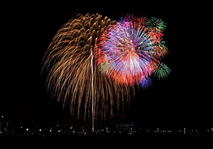 fireworks_0.jpg
