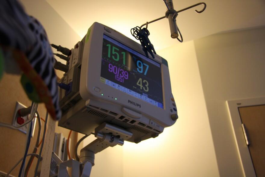 hospital-monitor-fcc_spacebahr_12282007.jpg