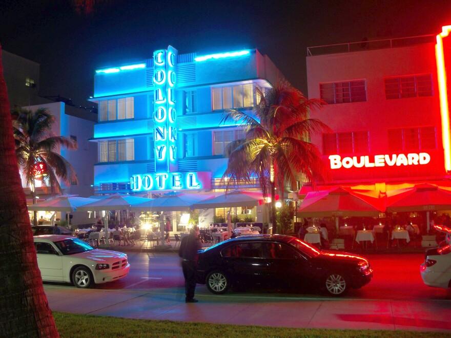Colony_Hotel_Miami_Beach_Izzy.jpeg