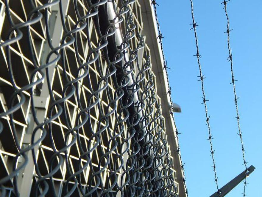 prison-482619__480.jpg