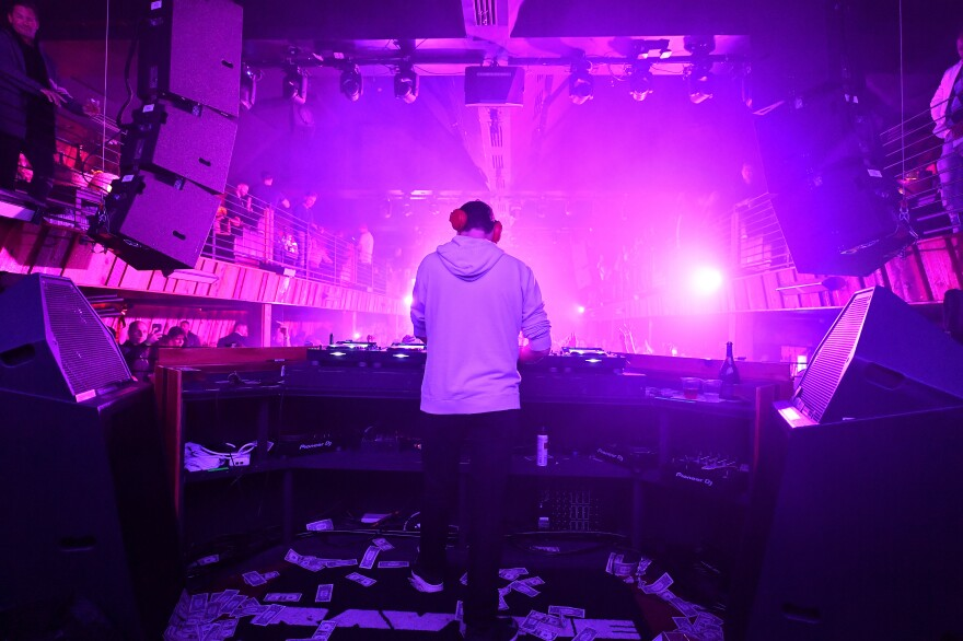 Dutch superstar DJ Tiesto (seen here performing in Miami in February 2019) released a massively popular electronic reworking of Samuel Barber's <em>Adagio for Strings</em> in 2005.