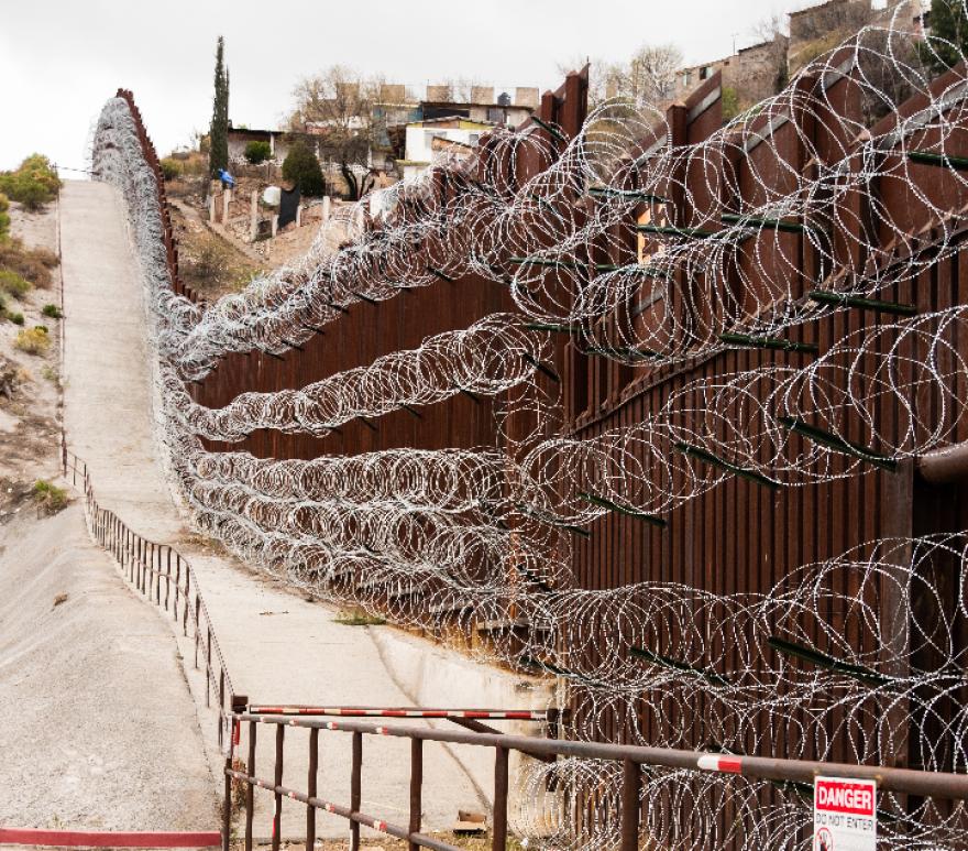 border_fence_nogales.png
