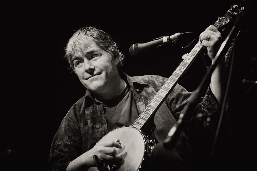 Béla Fleck performs at the Celtic Connections Festival at The Old Fruit Market on Jan. 24, 2016 in Glasgow, Scotland. (Ross Gilmore/Redferns/Getty Images)