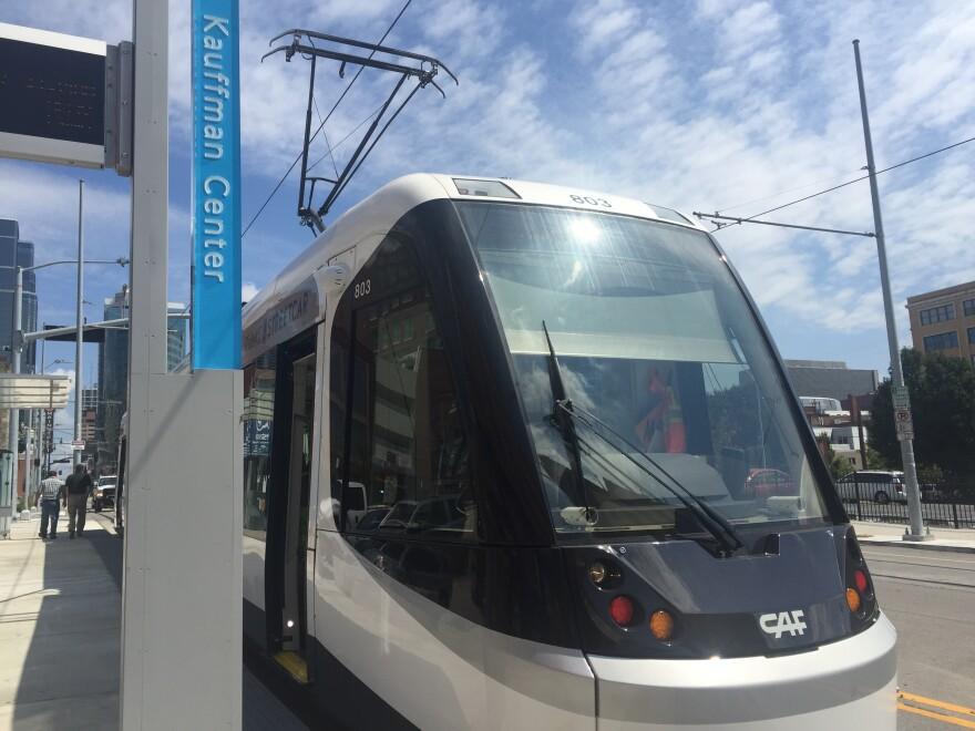 Streetcar_LR_0.JPG
