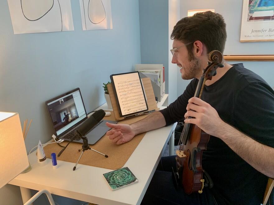 JonathonWinter_teaching_violin_10032020.jpeg