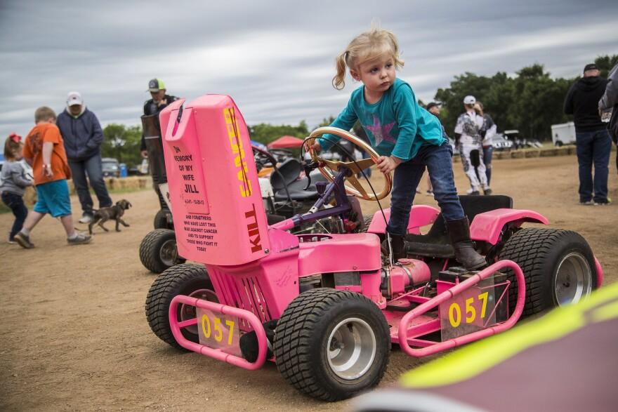 lawnmower-racing-2.jpg