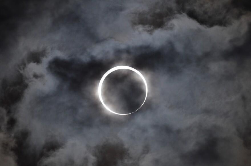 solareclipse_flickruser_TakeshiKuboki.jpg