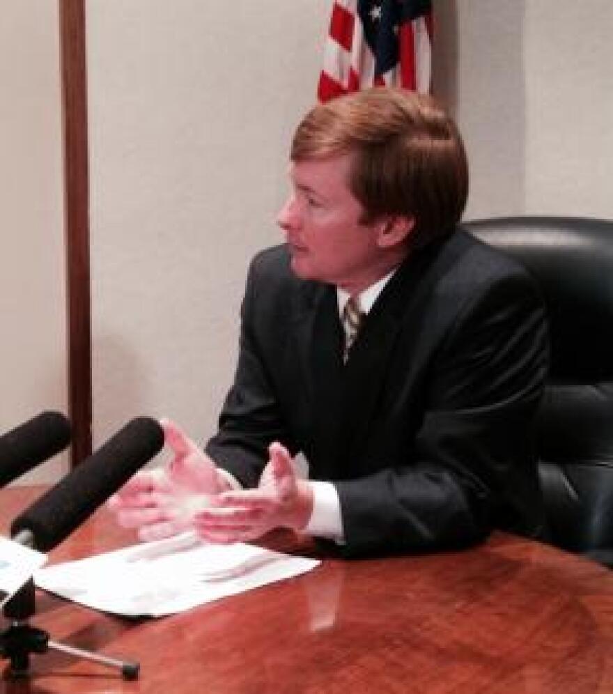 Putnam talks with reporters on Jan. 8, 2014.