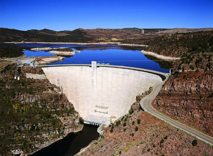 Photo of the Flaming Gorge dam.