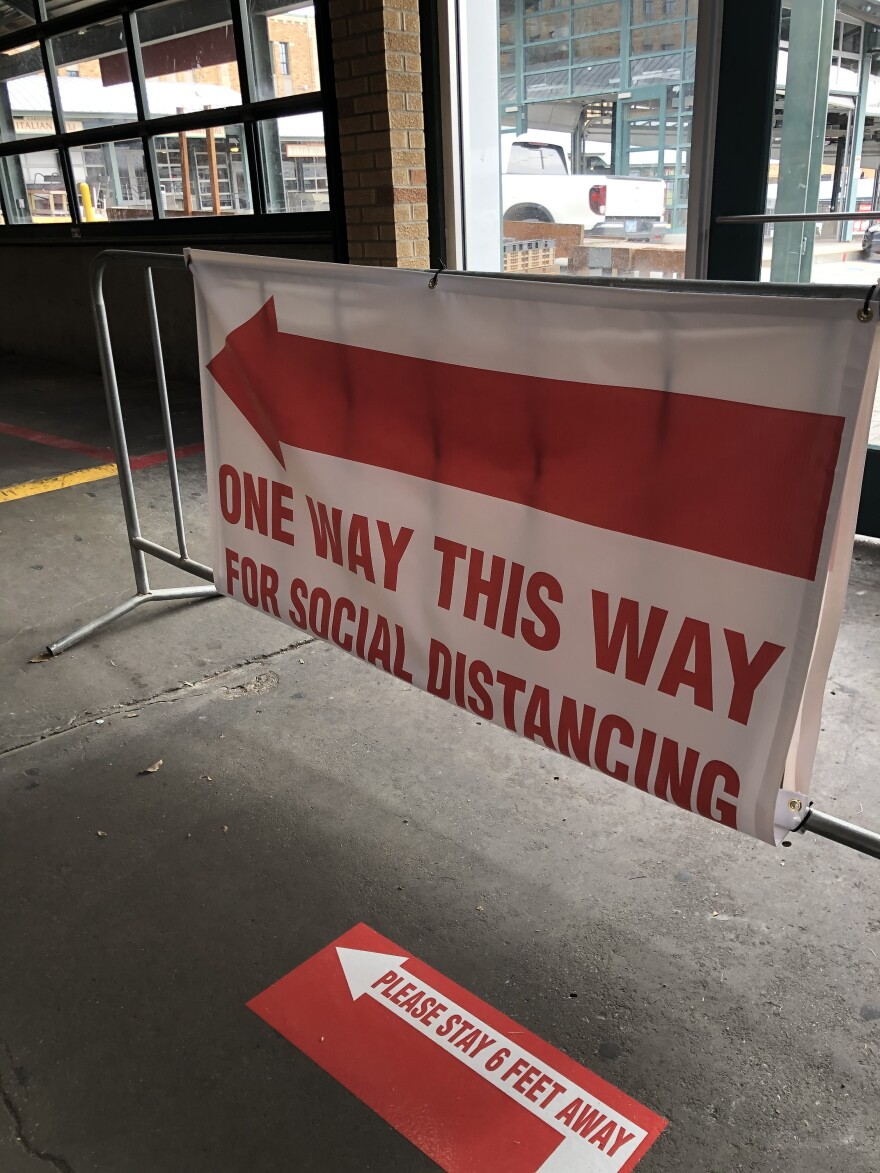 042420_LH_CityMarket_socialdistance.JPG