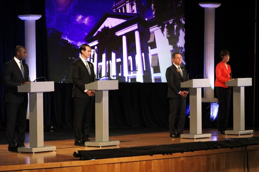 democratic_gubernatorial_debate_2018_6-11.jpg