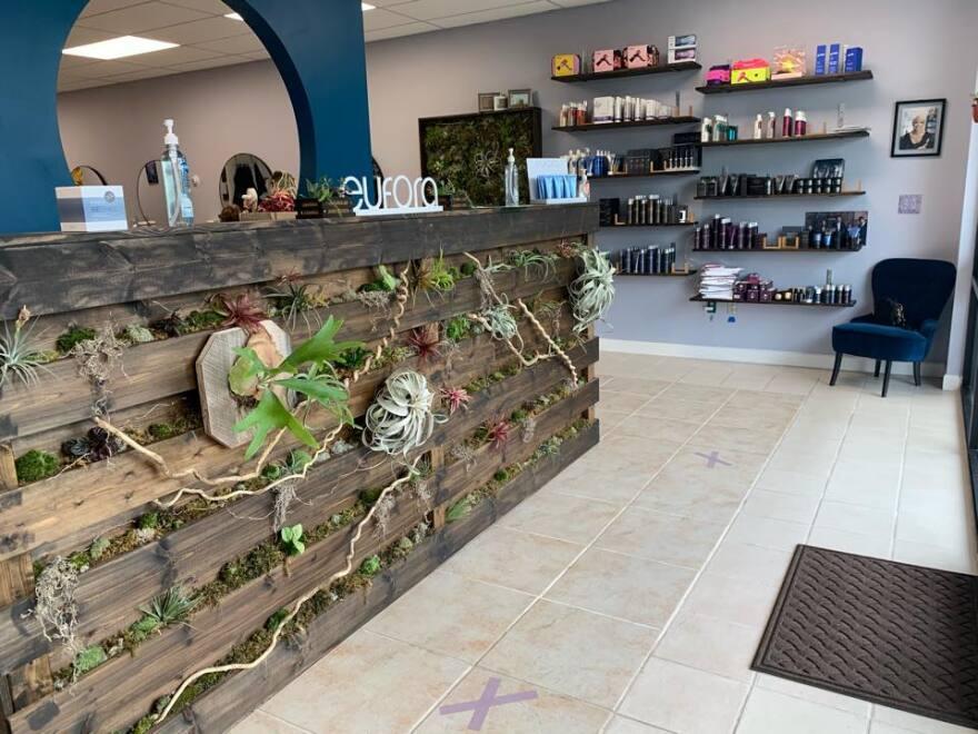 splatter-salon-entrance.jpg