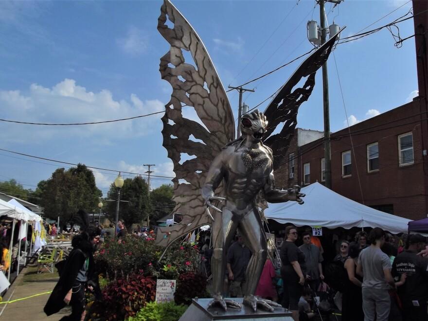 mothman_statue.jpg