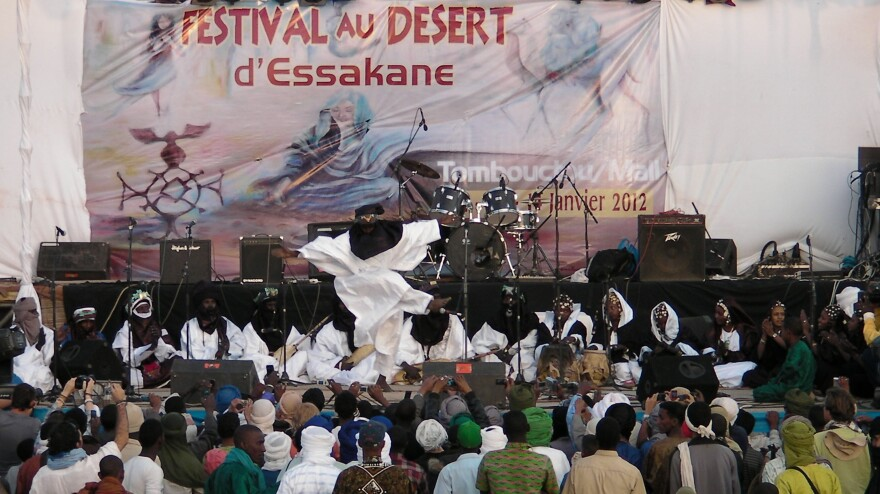 Tartit performs at the Festival au Desert.