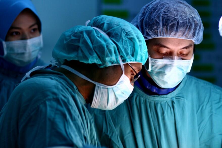 albumarium_____medical_surgical_operative__phallin_ooi.jpg
