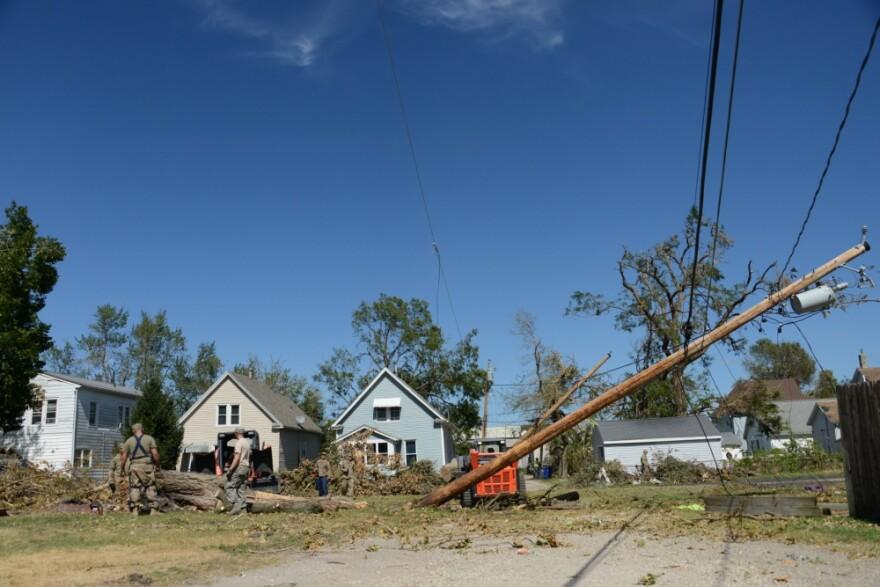derecho power line, Cedar Rapids.jpg