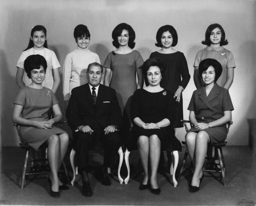 Laura Alcorta (top right) and her family in 1969.