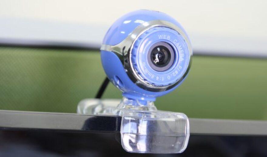 web-cam-796227_1920-620x365.jpg