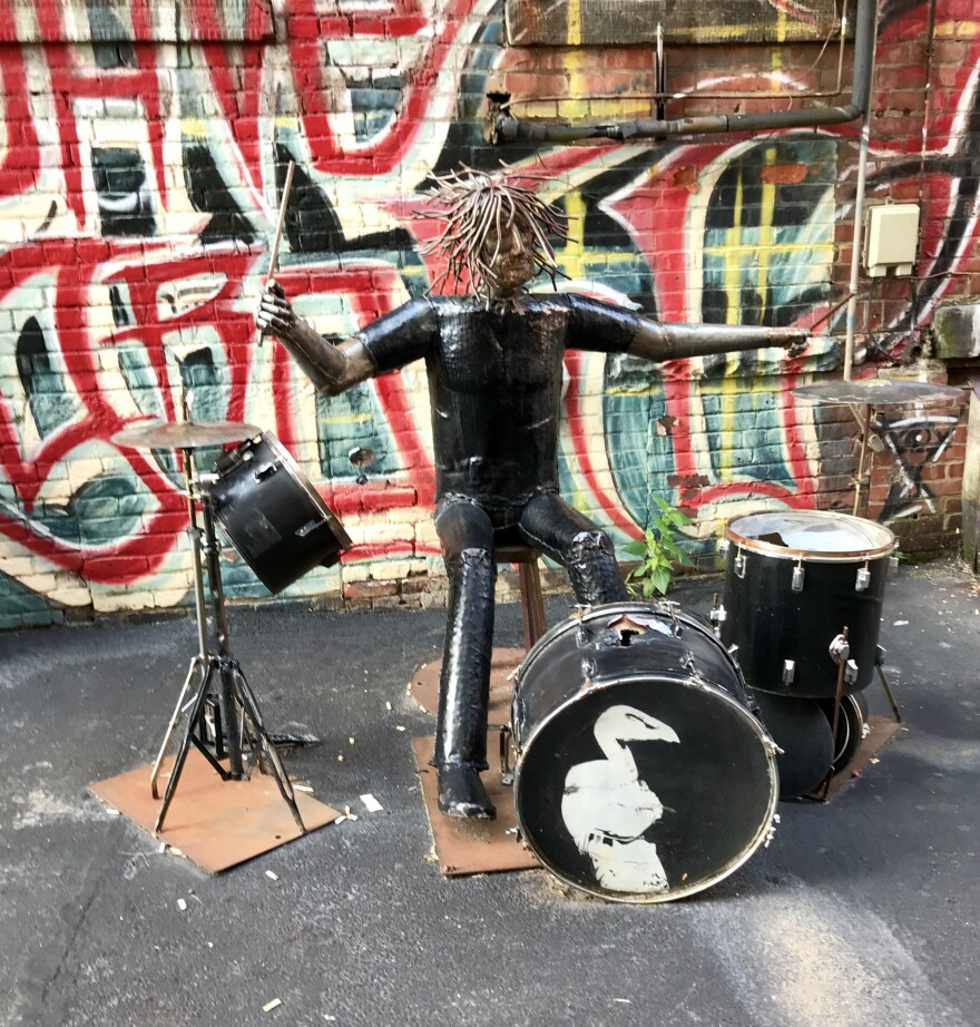 photo of Dave Grohl alley