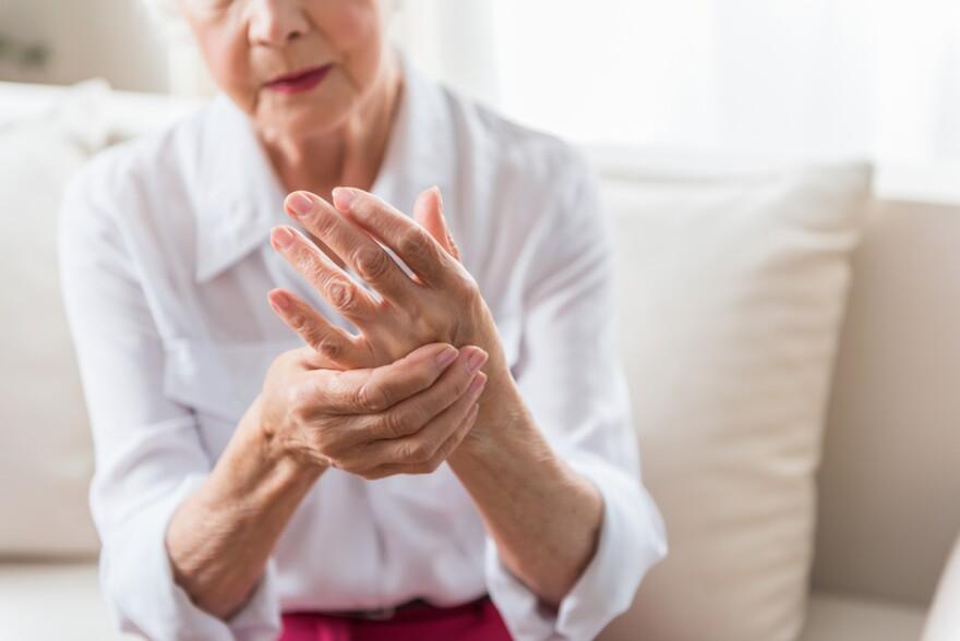 elderly_woman_expressing_pain.jpg