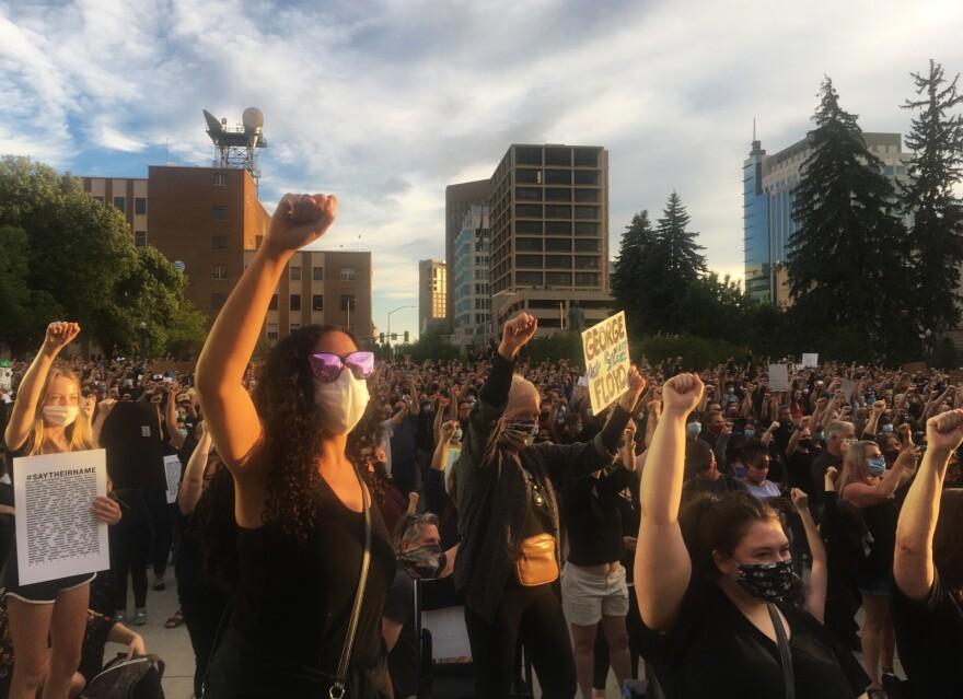 06302020-ArmedProtesters-BoiseVigil1-HeathDruzin-BSPR.jpg