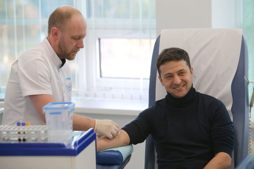 Ukrainian presidential candidate Volodymyr Zelenskiy, who led the first round of presidential polls, took a blood test in a private clinic in Kiev on Friday.