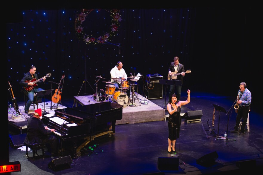 Jane Monheit and Bob Thompson Band-overhead