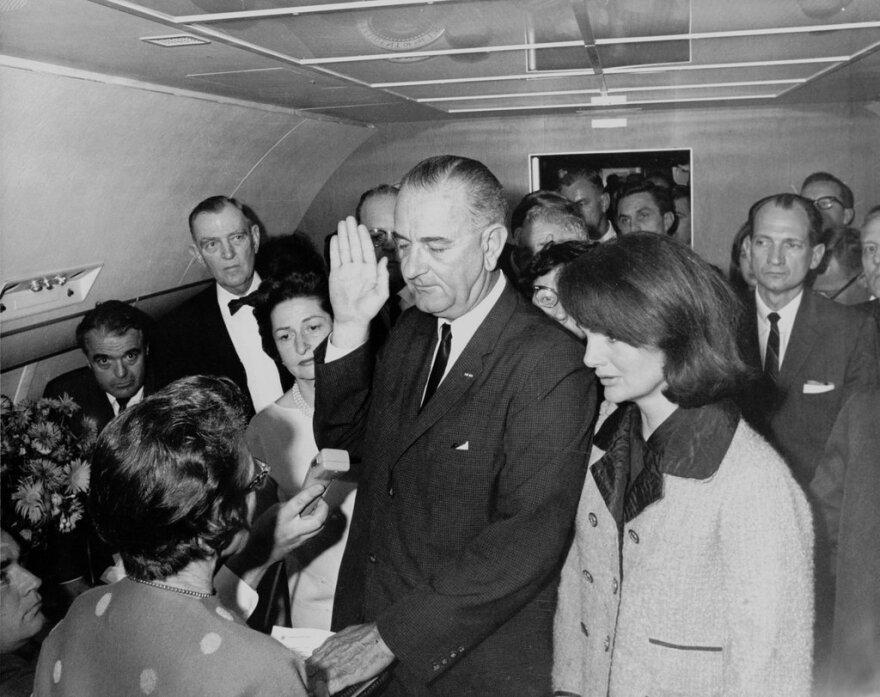 1-Lyndon_B._Johnson_taking_the_oath_of_office,_November_1963_(1).jpg