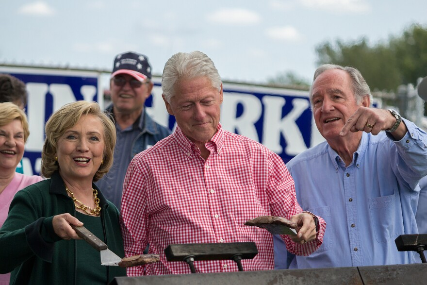 0915clintonssteakfry_0.jpg
