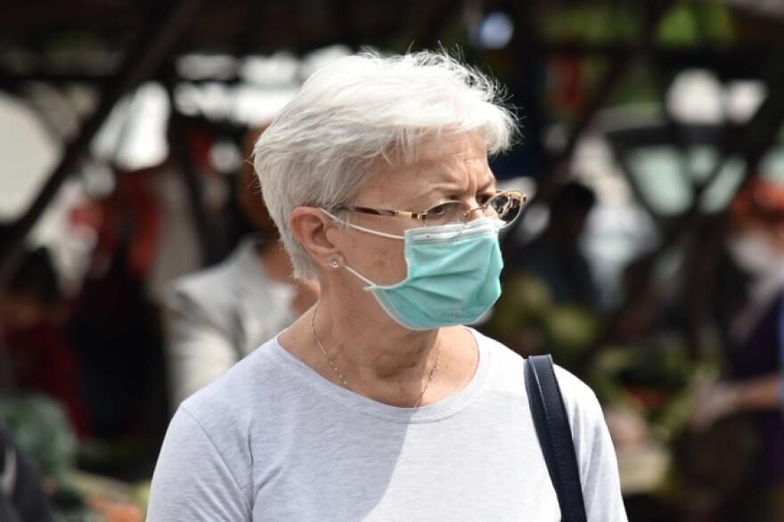 older_woman_wearing_face_mask.jpg