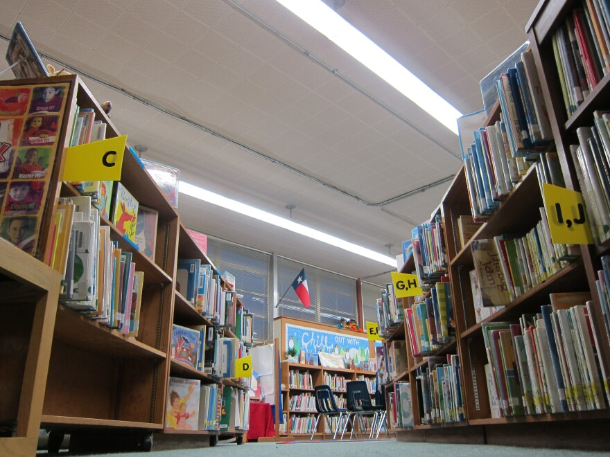 Library at Allan Elementary by Nathan Bernier (2)_0.JPG