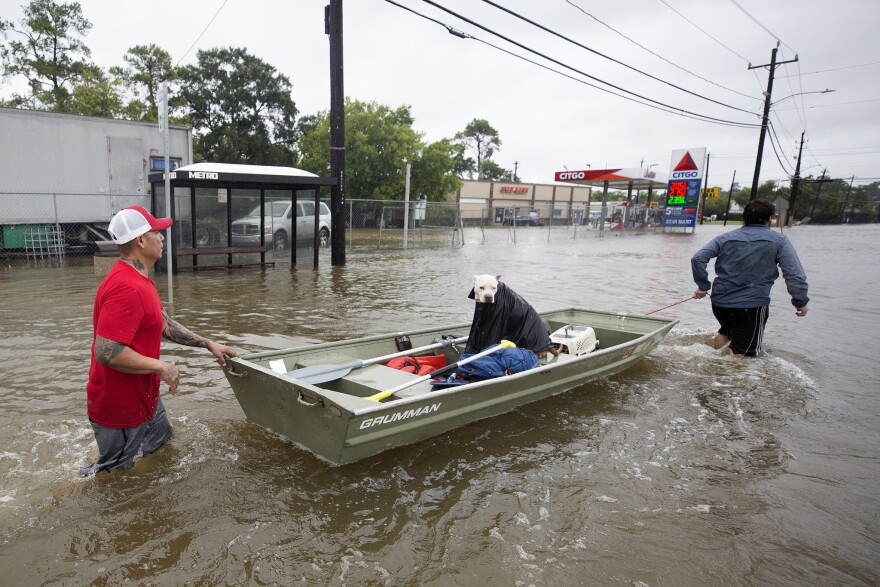 hurrican_harvey_boart_rescues_take_place_in_houston_credit_jorge_sanhueza-lyon.jpg