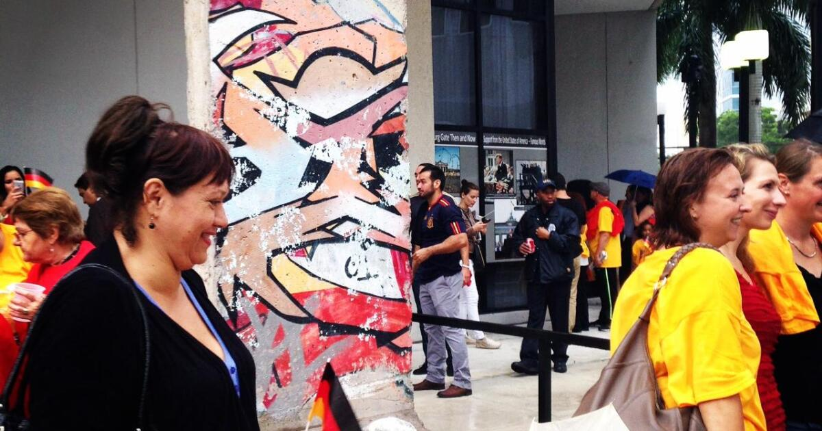 30 Years Since The Fall Of The Berlin Wall Miami Holds Onto A Piece Of Its History Wlrn