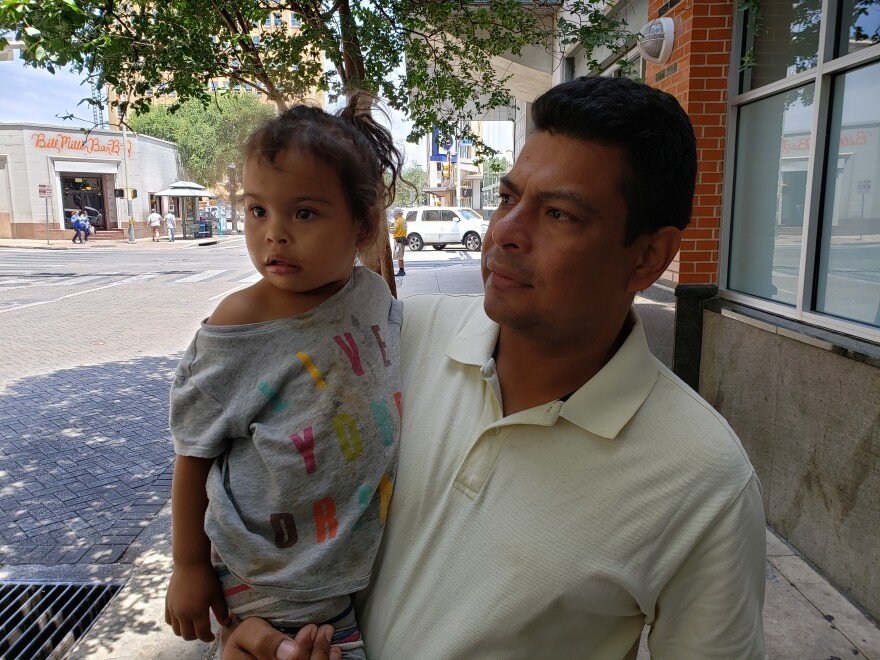 migrant_father_daughter.jpg