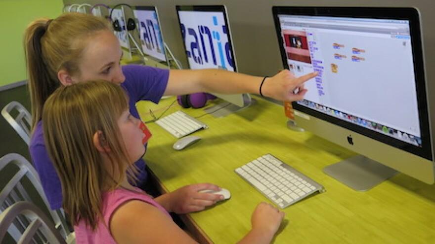 computer_programming_girls.jpg